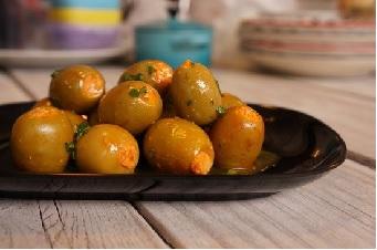 Aceituna Gordal Rellena de Queso con Tomate